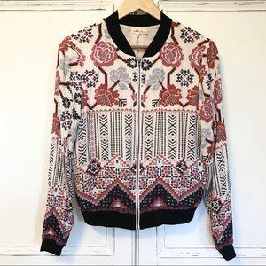 EUC. CHLOE & KATIE soft, floral bomber jacket